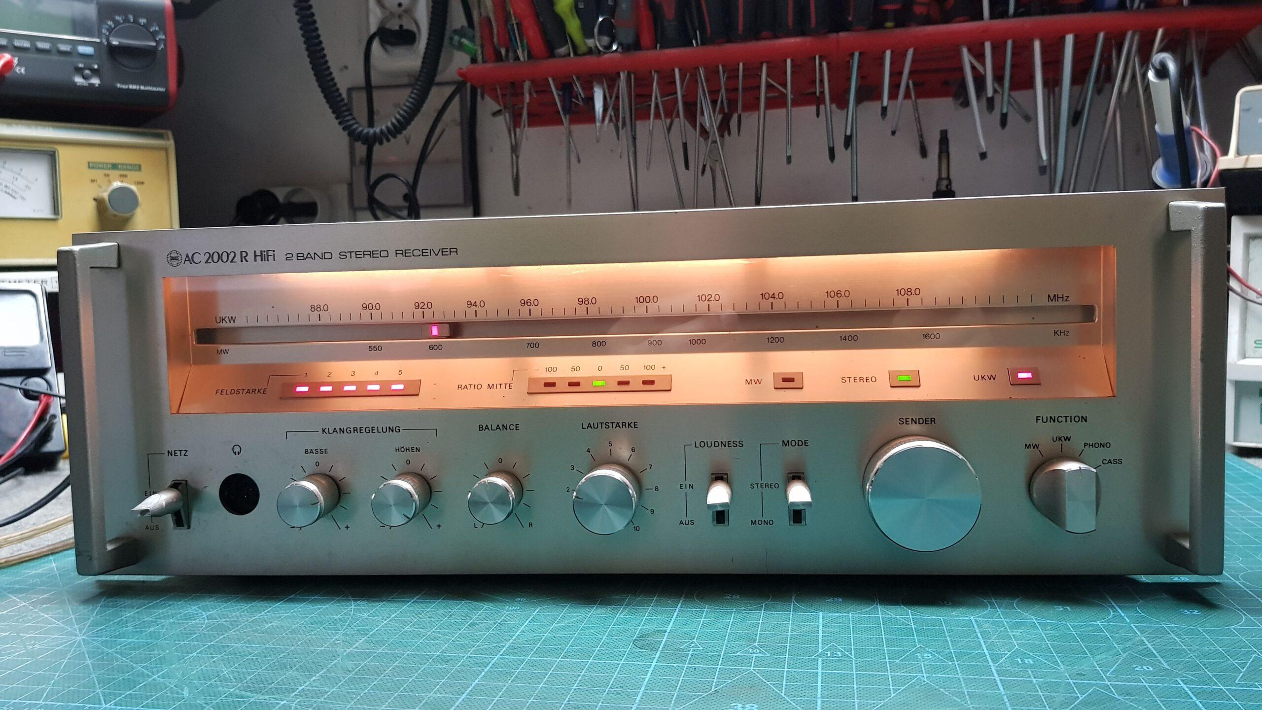 Amplituner AC 2002R